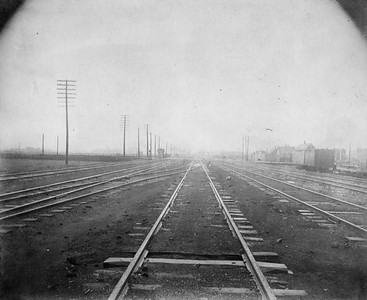 2010.030.CC.003--lee hastman collection cabinet card--PCC&StL CTT--view of tracks looking north from a point just north of 36th Street--Brighton Park IL--c1903 0000