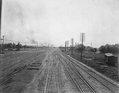 2010.030.CC.020--lee hastman collection cabinet card--PCC&StL CTT--view showing Western Ave crossing tracks looking south--Brighton Park IL--c1903 0000