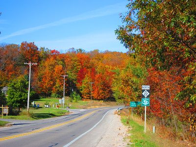 Looking north along M-22 from just south of Leland, MI