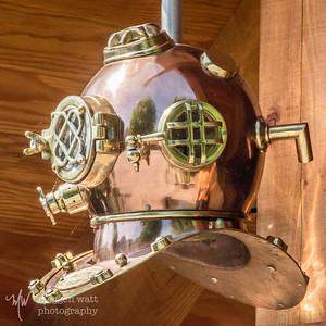TLR-20190617-6716 Vintage Dive Helmet outside the Cove Restaurant