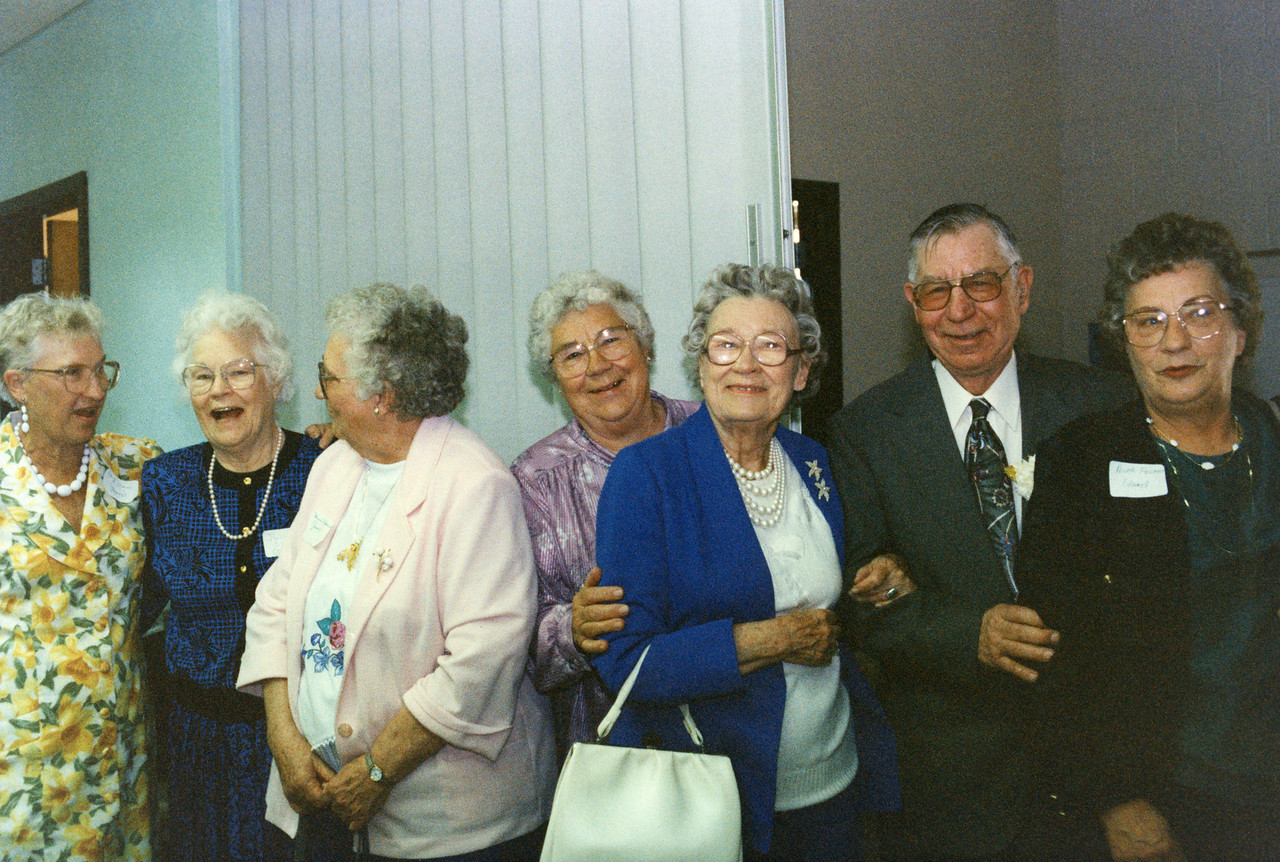 James gang - Nora, Julia, Minni, Verl, Florence, Stanley and Alma.  The Year - was a 50th Anniversary of Stanley and Louise James, 1993.