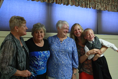 Diane Hewitt, Beth Fry, Marlene Heinen, Katie and Kenny Joslyn