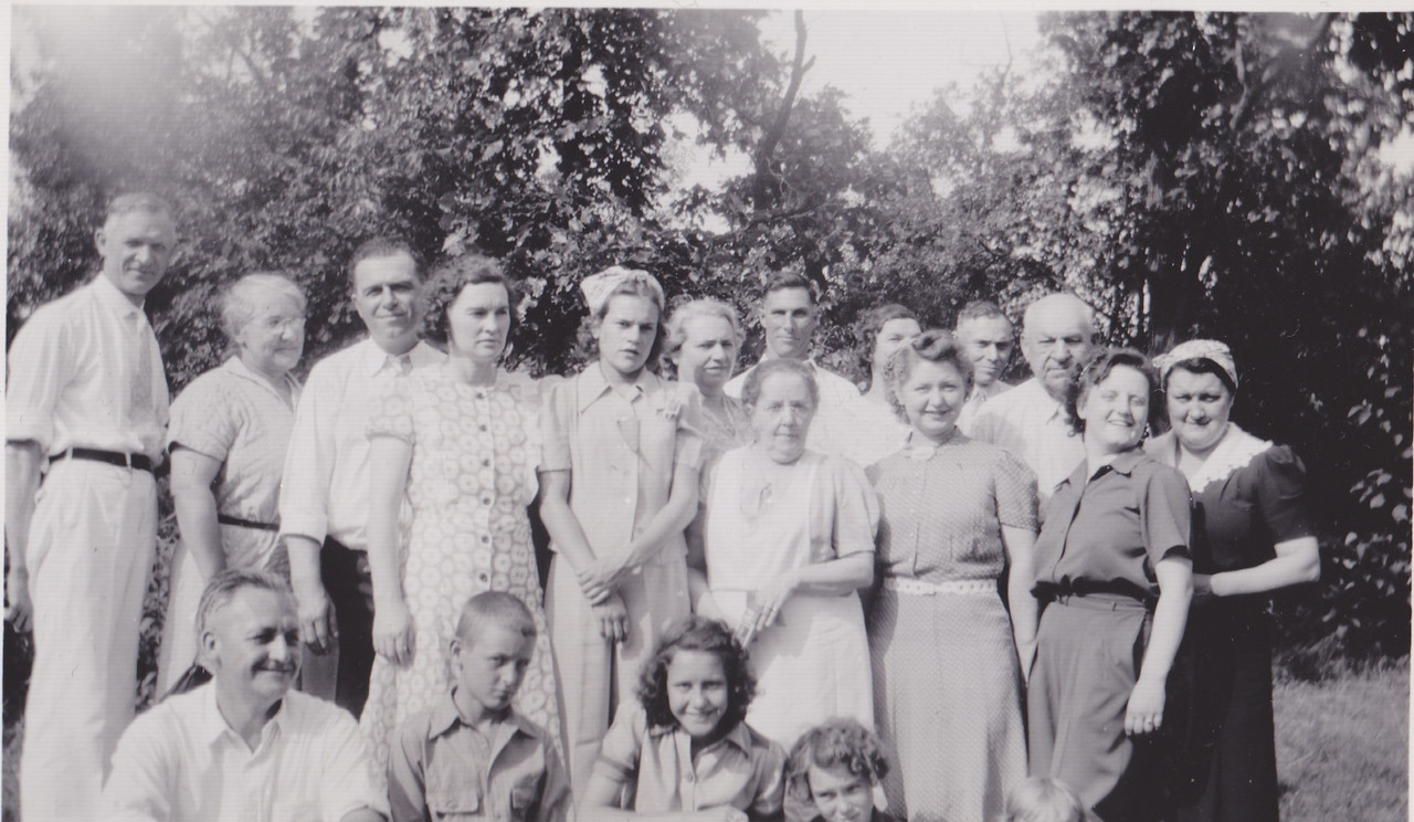 bunko club-3rd Leo Roden, Mrs. Roden, 5th Lorna Marie Killmer (Tonn) 6th Mary Dodds Killmer, 9 Lou Killmer, 10 Mayor Rothburn.  Front John Weissner.