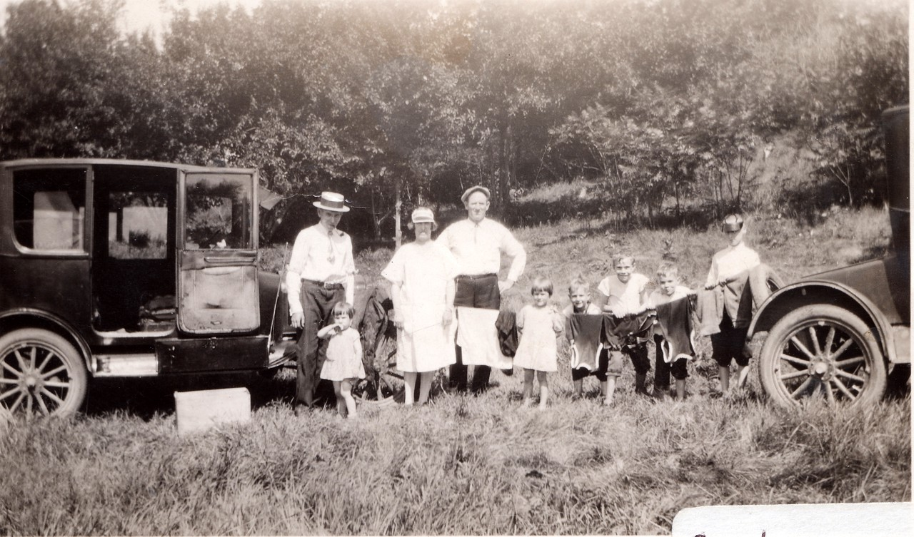 1928  Lou Killmer on left, Ruth then Lorna, Allen, Byron and Russell  (maybe) w/Carlos Benz .  Two adults in middle, unknown.