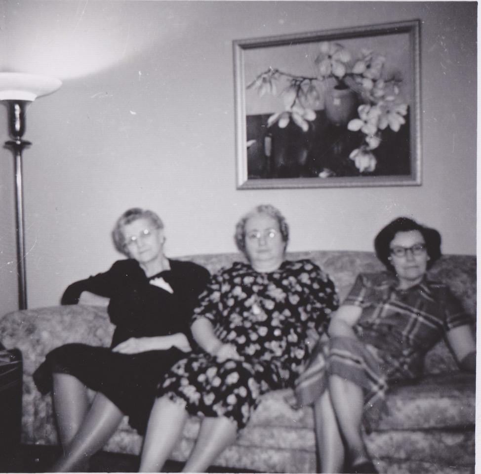 Amelia wife of Ed Killmer, Mary Jane wife of Lou Killmer, and Aunt Potty, Herman Killmers Wife