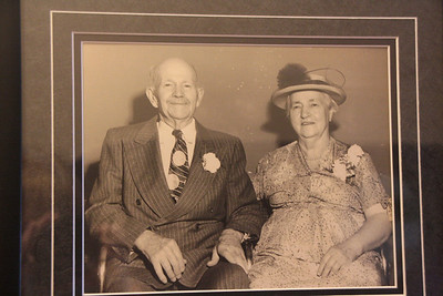 Copy of photo, thru glass, from Ruthies house.  The Grandpa and Grandma Dodds.