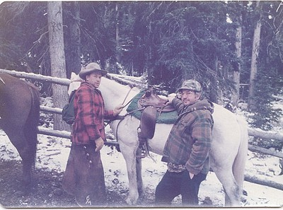 Allen Killmer Sr., is on the right, with his horse and the wrangler for this Idaho hunt.