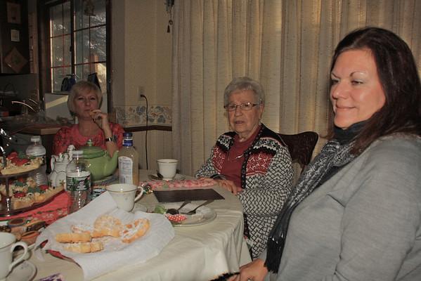 Christmas Tea-2013-Mary Lou's Home