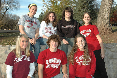 (l-r) Lindsey McKinney, Samuel Palmer, Sydney Ryan, Abby Adams, Betsey Pigg, Huston Hastie, and Elizabeth Guy