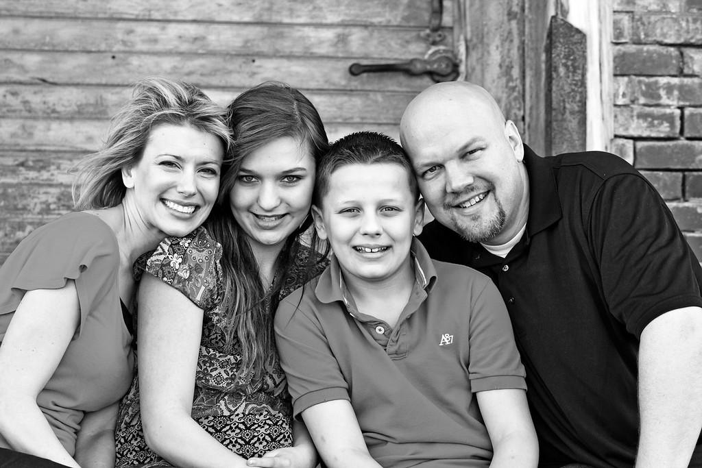 Bixler Family 2012-33b&w
