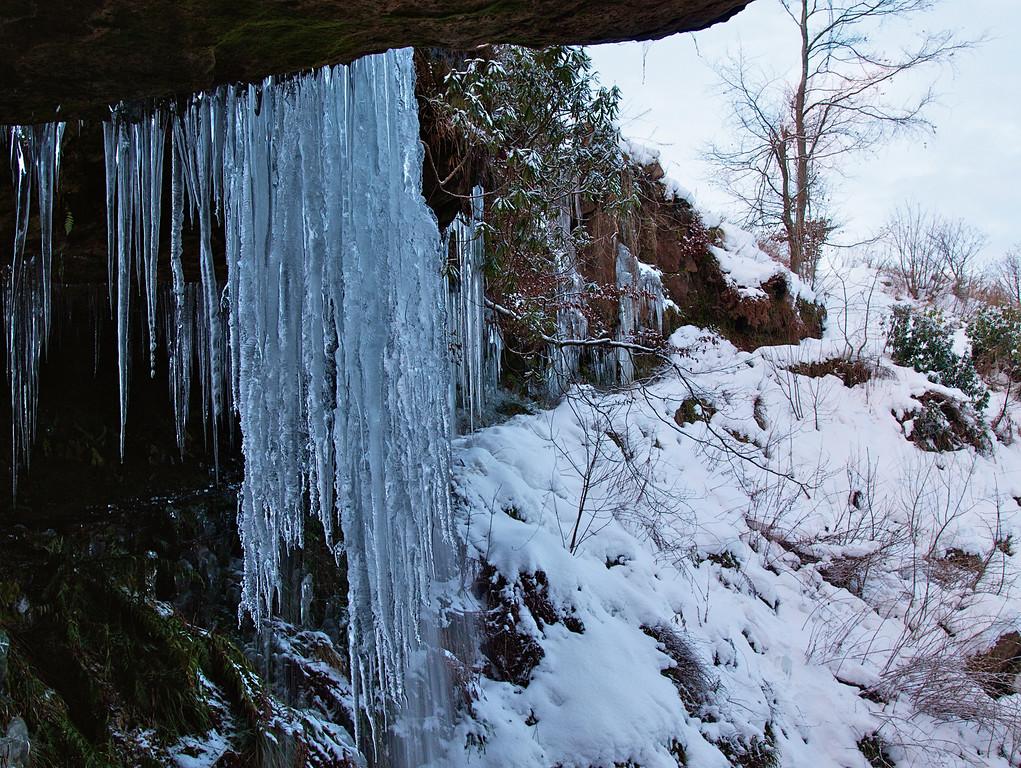 Frozen Waterfall - Mapsie Den, Falkland