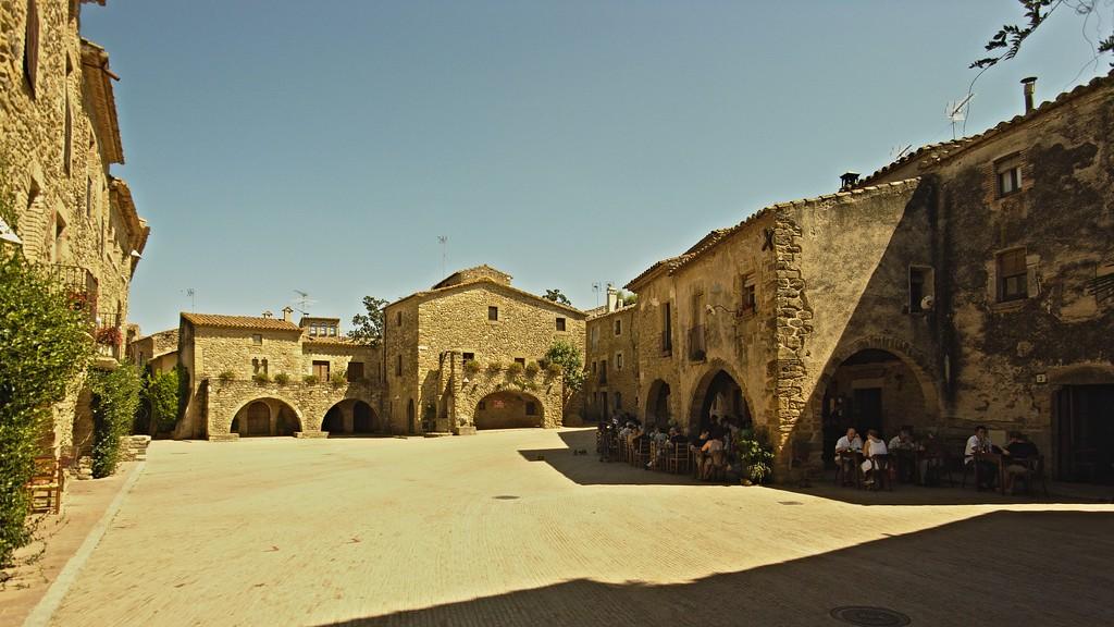 Sunday lunch, Plaça Jaume 1, Monells