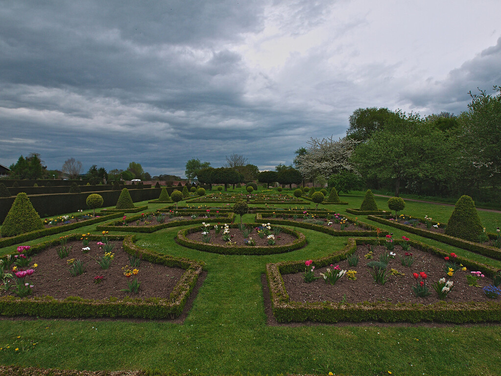 Formal gardens, Westbury