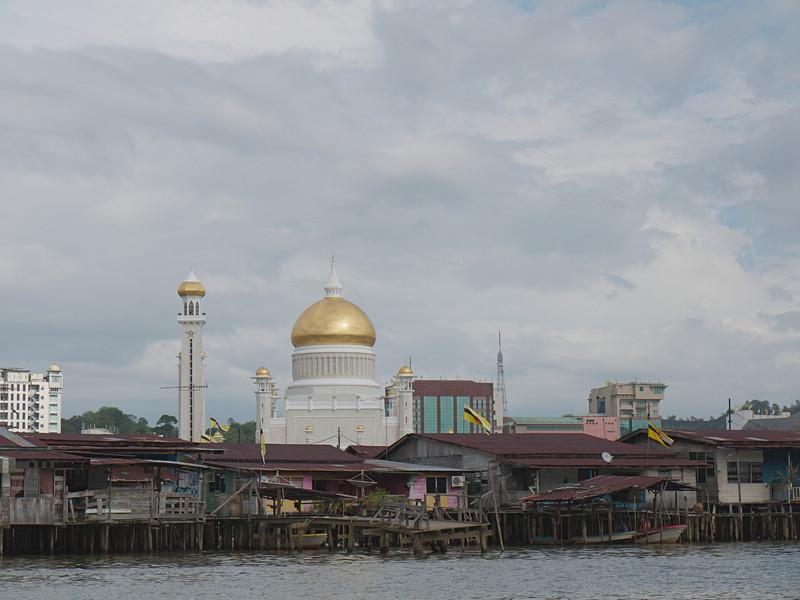 Omar Ali Saifuddien Mosque 1<br /> <br /> Bandar Seri Bagawan, Brunei