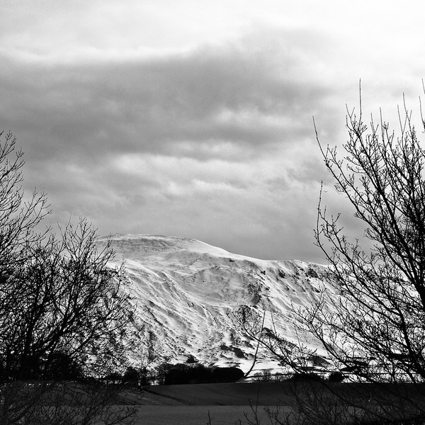 Snow on West Lomond