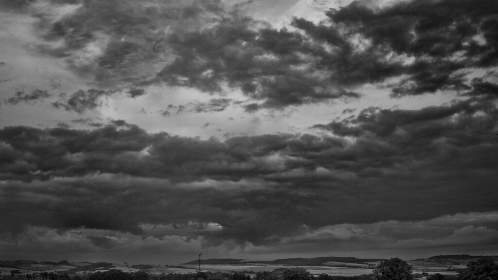 Summer sky (sunshine and showers), East Fife