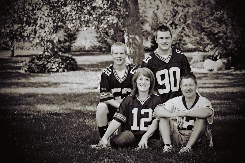 Giles Family-16b&w
