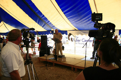 David Snell brings greetings from Fuller Center Covenant Partners around the world who have constructed, renovated and dedicated at least 100 homes during this inaugural Millard Fuller Legacy Build. Scott Umstattd