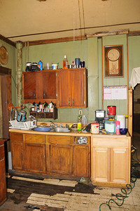 10 09-08   Kitchen cleans and painted. mlj