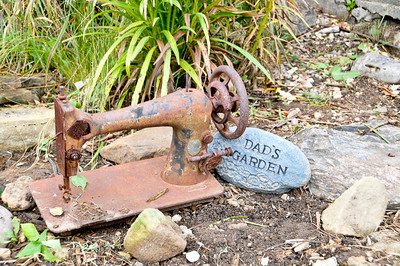 10 09-08  An antique sewing machine from a deceased aunt gives Molly's garden a memorable touch. mlj