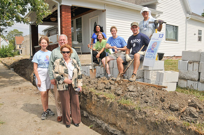 10 09-09  A four-way partnership - Fuller Center, PNC Bank, homeowners and volunteers.  mlj