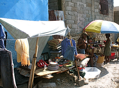 Everyday life in Haiti on the streets.