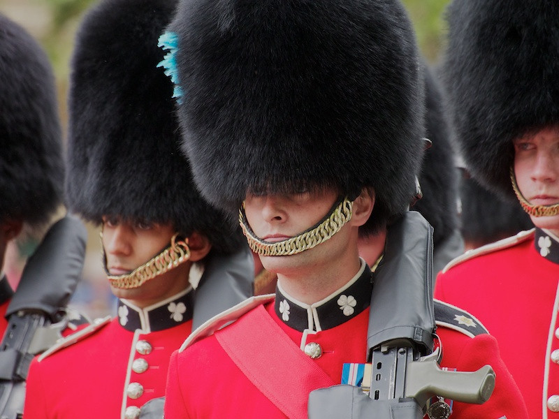 Irish Guards streetliners returning to barracks, The Mall