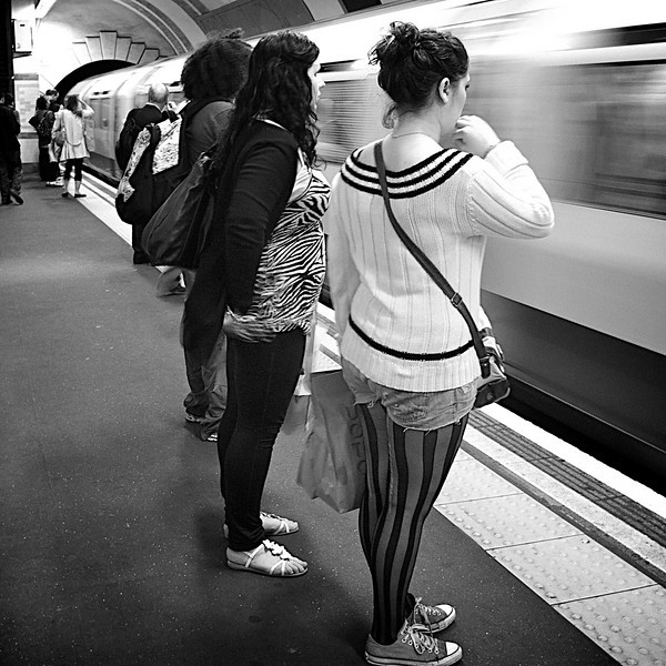Waiting for the train, Covent Garden tube station