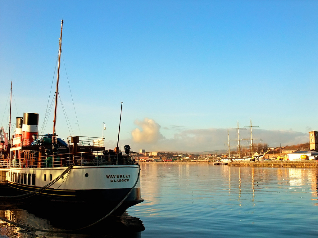 Steam and Sail - Waverley and the sailing barque Glenlee