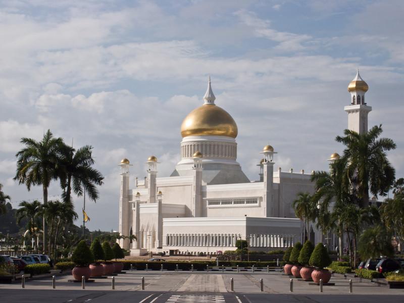 Omar Ali Saifuddien Mosque 2<br /> <br /> Bandar Seri Bagawan, Brunei