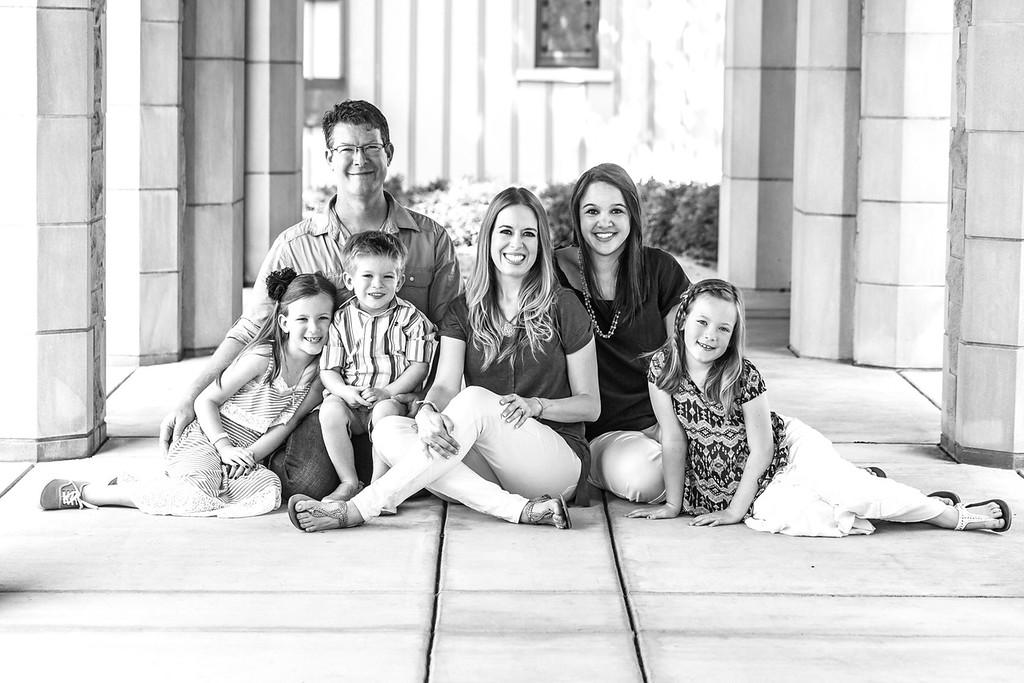 Skiles Family 2014-22b&w