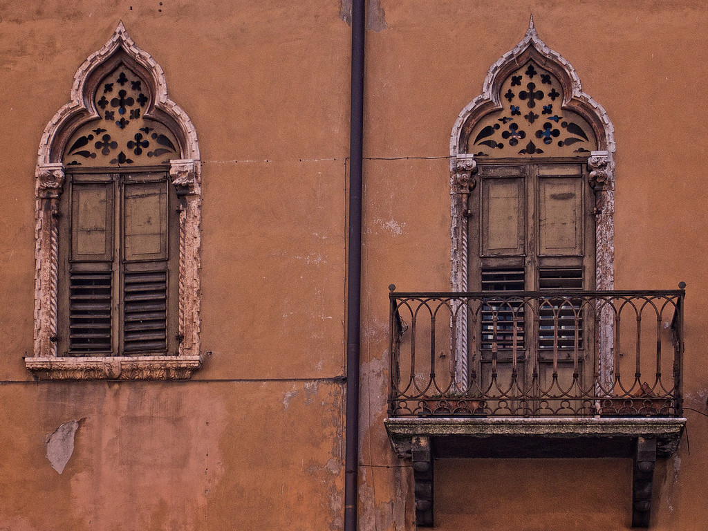 Windows and balcony - Verona