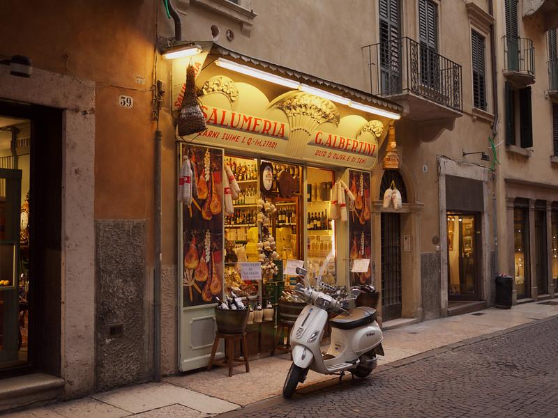 Grocer's shop, corsa S Anastasia, Verona