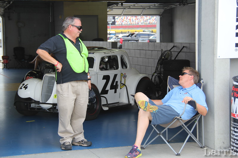 John Davison talking with a relaxed Phil Parsons