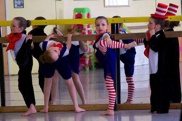 CAT IN THE HAT –  LEVEL 1 ACROBATICS - Legs Dance Studio 2013 concert rehearsals