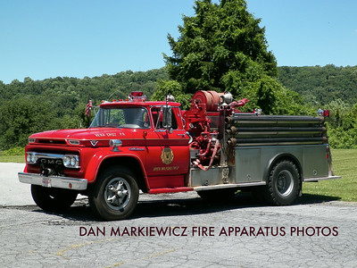 CITIZENS FIRE CO. VERA CRUZ ANTIQUE 1962 GMC/CARMAR PUMPER
