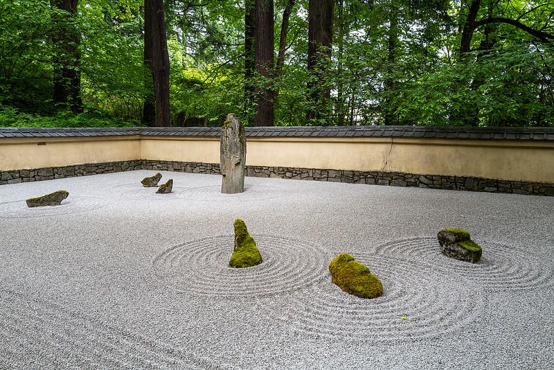 Students & Teacher. Portland Japanese Garden. Leica Q2.