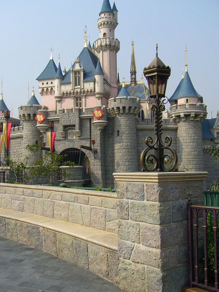 P1010541 <br /> Photo of Hong Kong Disneyland