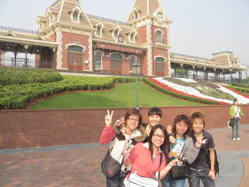 IMG_0027 <br /> Connie, Eva, Elaine, BoBo and Tracy