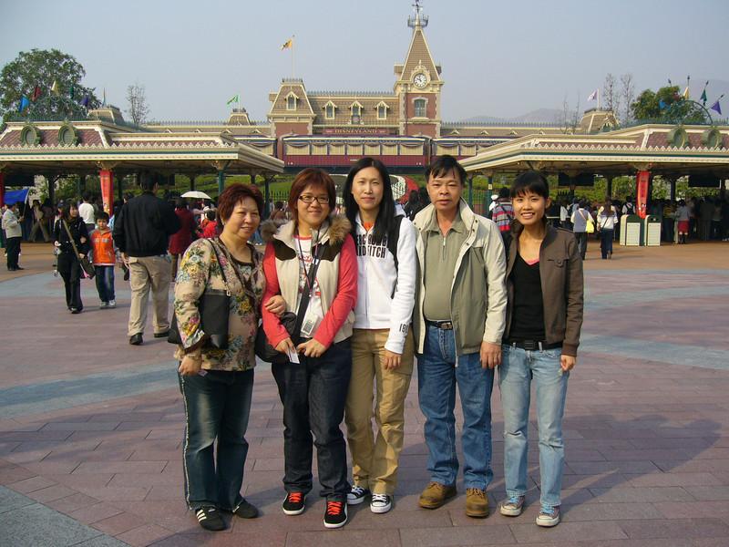P1010517 <br /> 媚媚, Connie, Peggy, 朋朋 and Eva