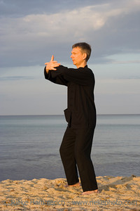 tai chi - posture cross hands - art of self-defense - adobe RGB