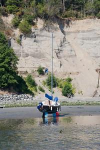 Sailboat at low Tide – Saanichton, Vancouver Island, British Columbia, Canada