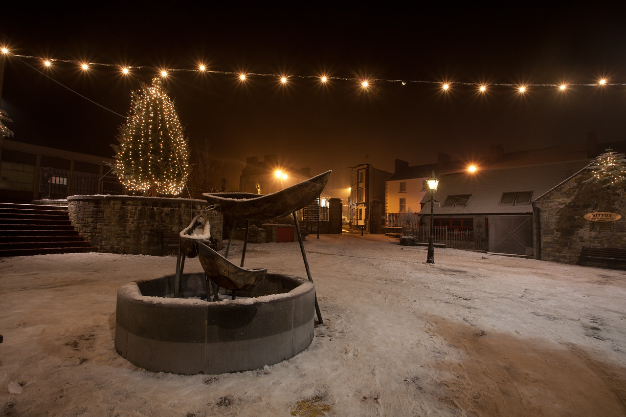 "The Market Yard in Carrick-on-Shannon in Co. Leitrim on Christmas Eve night, 2009.  The end of Main Street, and the Costello Memorial Chapel, is just visible in the background. Information on the story behind the chapel can be found at <a href=""http://www.carrickonshannonparish.com/costello.htm"">http://www.carrickonshannonparish.com/costello.htm</a>"