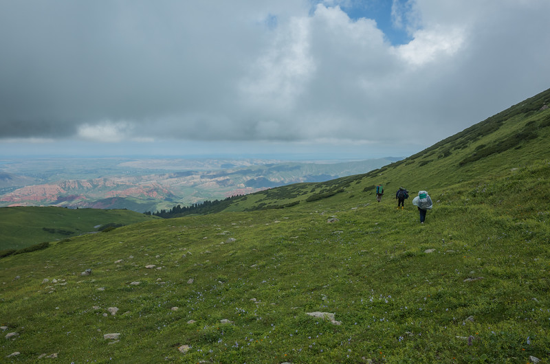 And then immediatedly descended 1200m way the hell down out of the mountains.