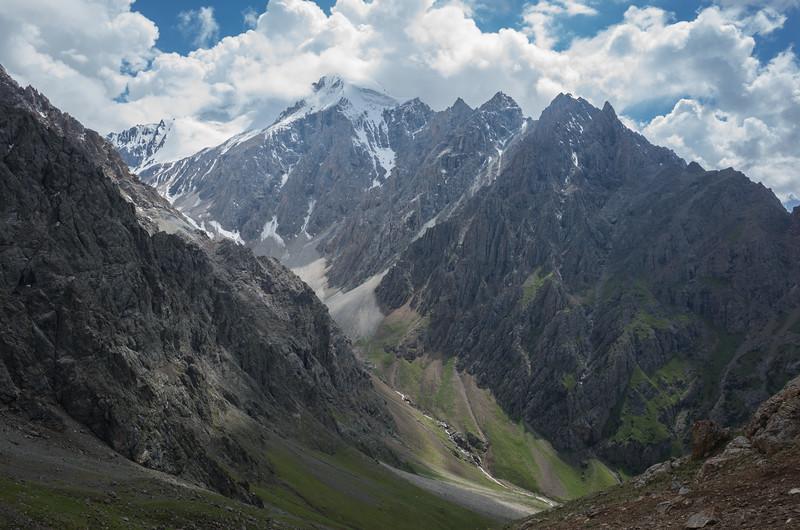 And after Kosh-Moinock, more climbing to Kara-Suu pass.