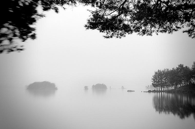 Frå Randsfjorden, ved Eidsand. (Eidsand at lake Randsfjorden.)