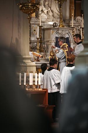 _NIK1198 Lent St  Peters Steubs LatinMass _