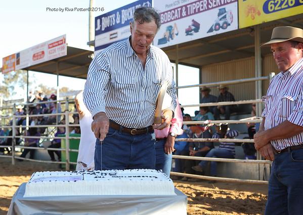 Hamilton Barber cuts the cake