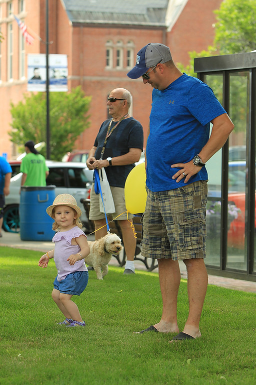 . Mackenzie dances as her dad Rick Allain looks on SENTINEL&ENTERPRISE/Scott LaPrade