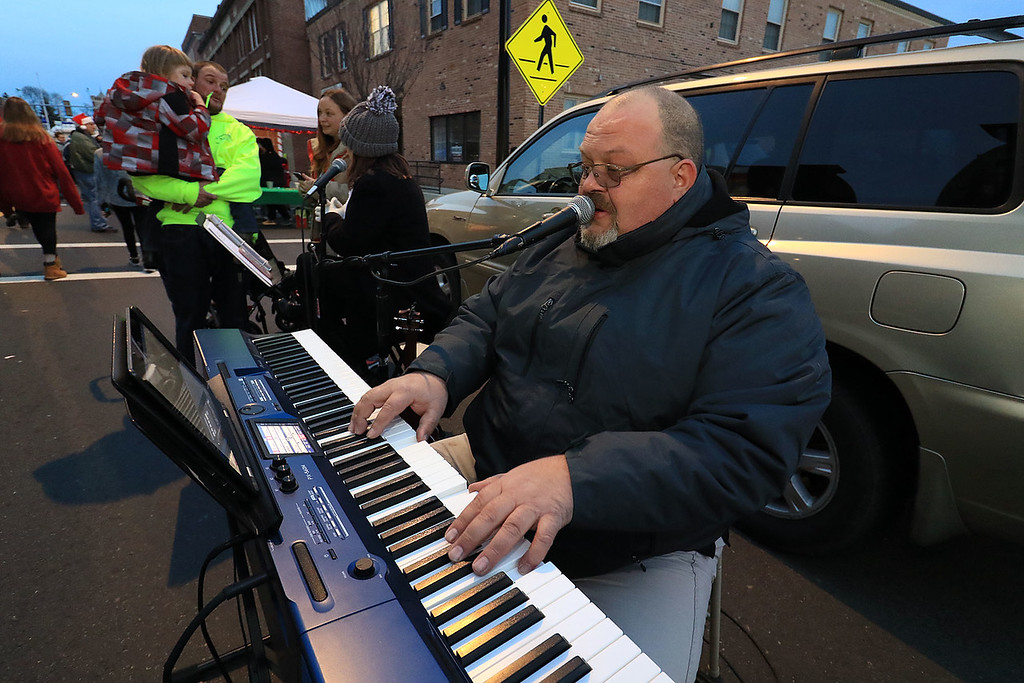. The 13th Annual Leominster Holiday Stroll was held on on Saturday, December 1, 2018 in Downtown. Entertaining the crowd at the stroll on his keyboards Ryan Hood from Phillipston. SENTINEL & ENTERPRISE/JOHN LOVE